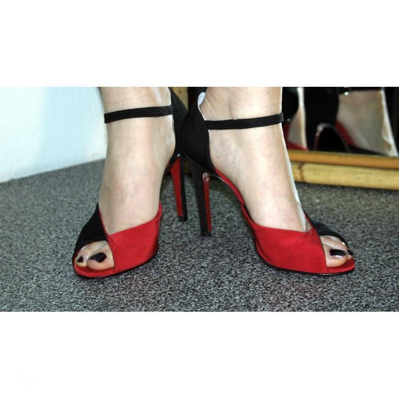 Scarpa Concita rosso e nero 2